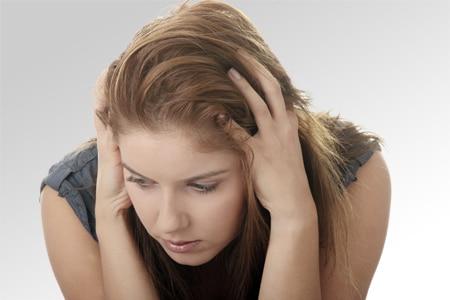 Symptômes & causes de la perte de cheveux non androgénétique